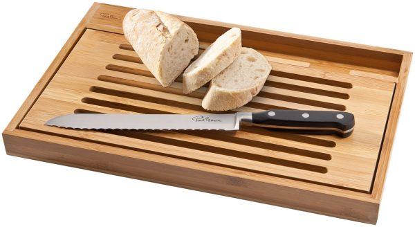 Tagliere pane bistro con coltello